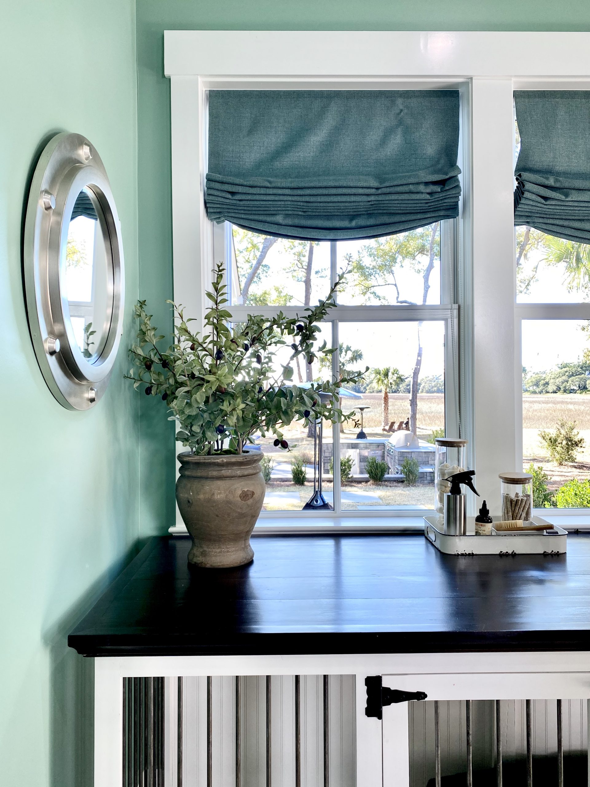 2020_HGTV_Dream_Home_laundry_room_pet-Crate