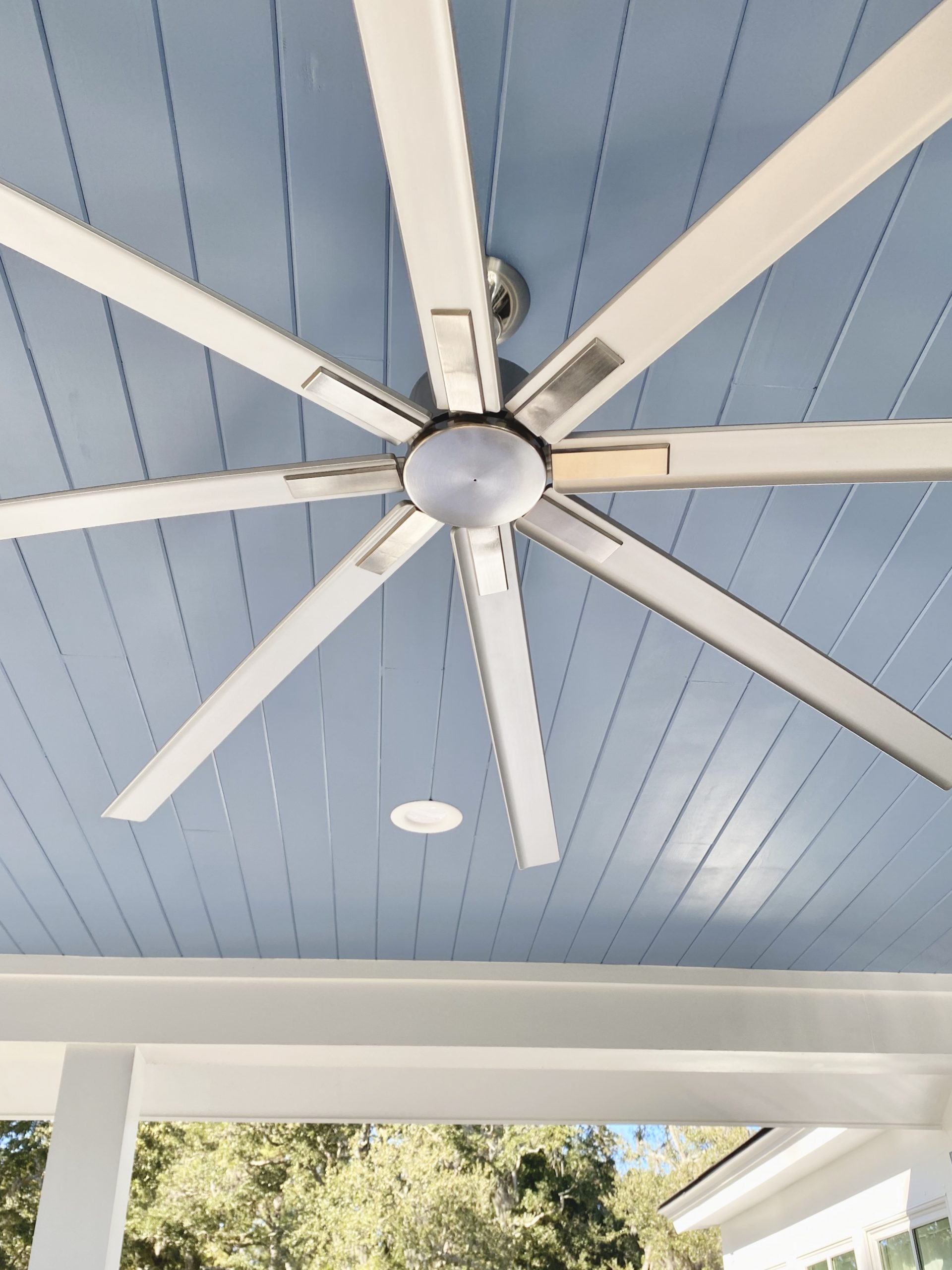 HGTV_Dream-Home-fan_painted_ceiling