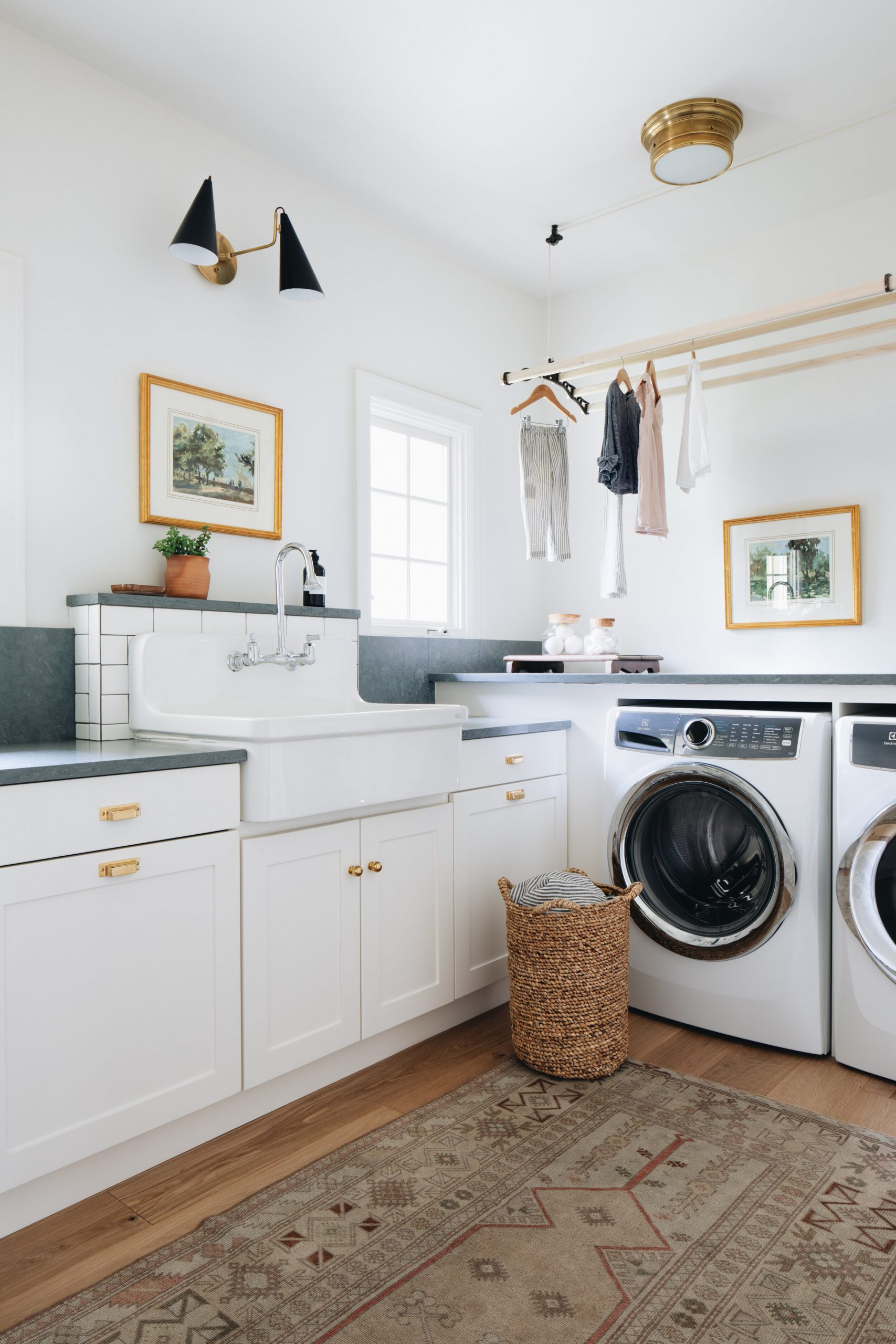 JSD+Modern_classic_home_laundry room