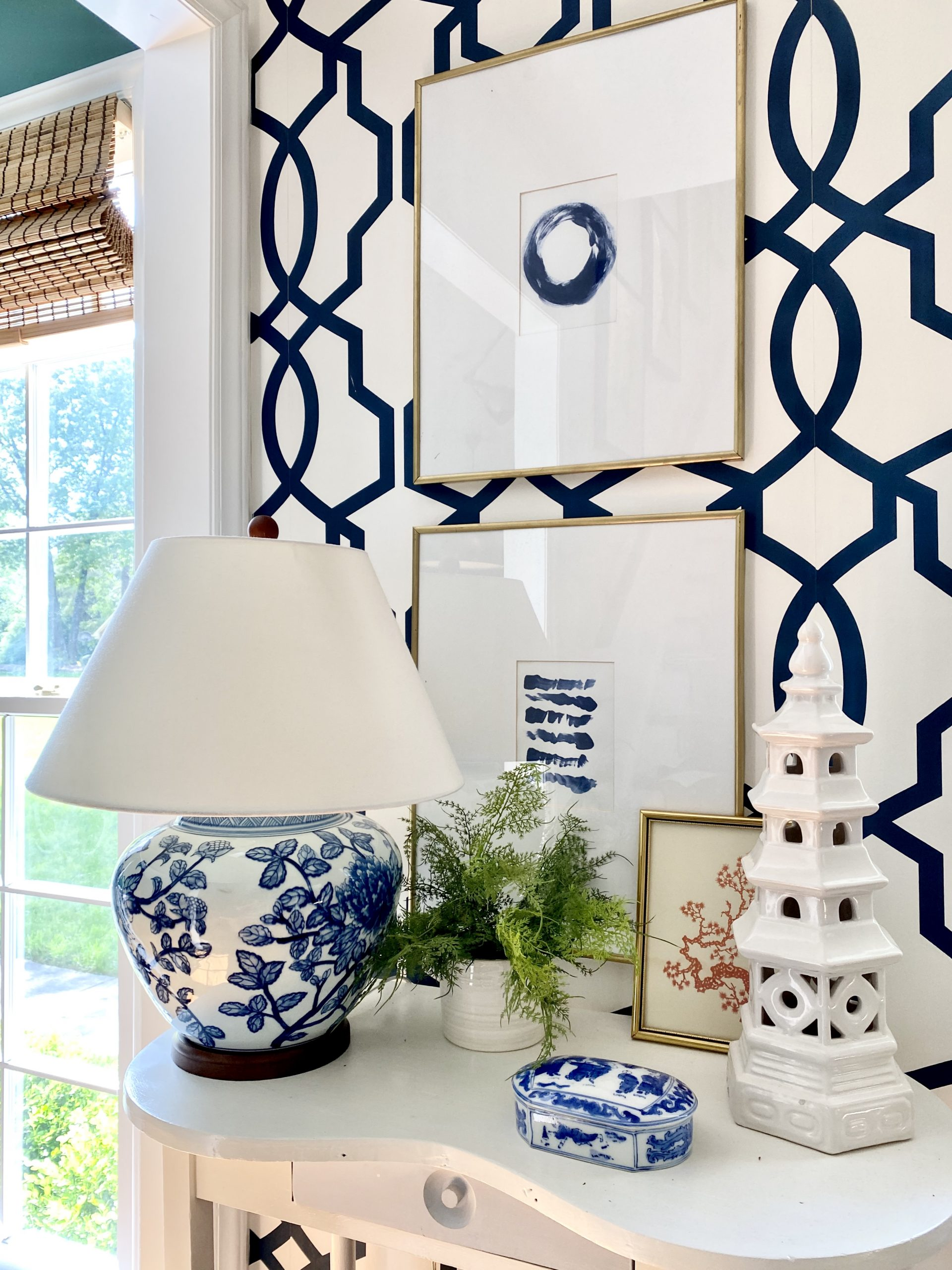 small-console-table-entryway-vignette