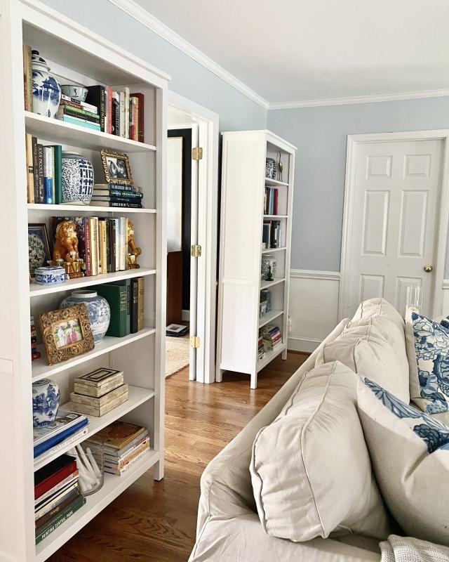 Lighten-Up-Living_Room-White_Bookcases