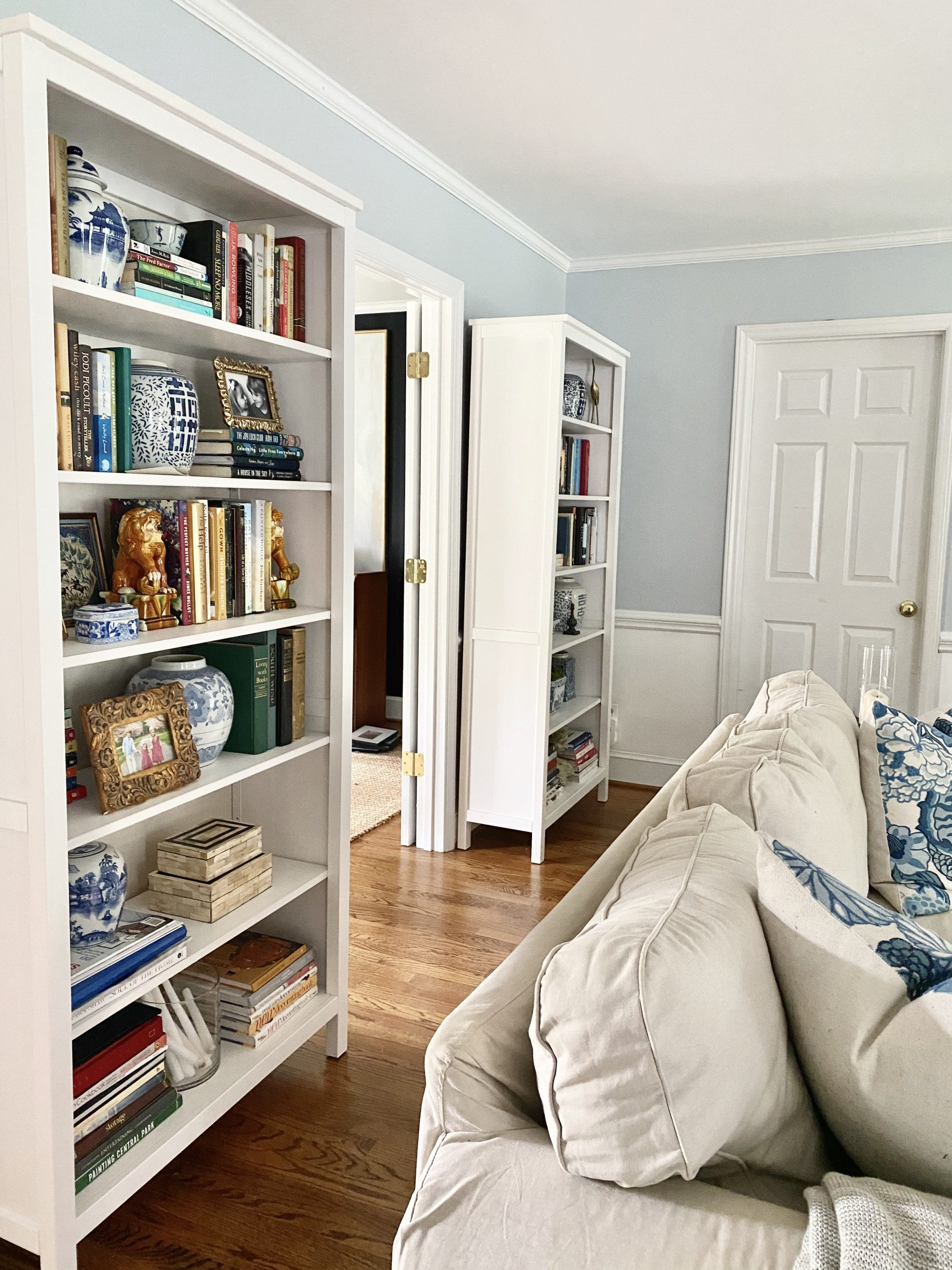 Lighten-Up-Living_Room-White_Bookcases