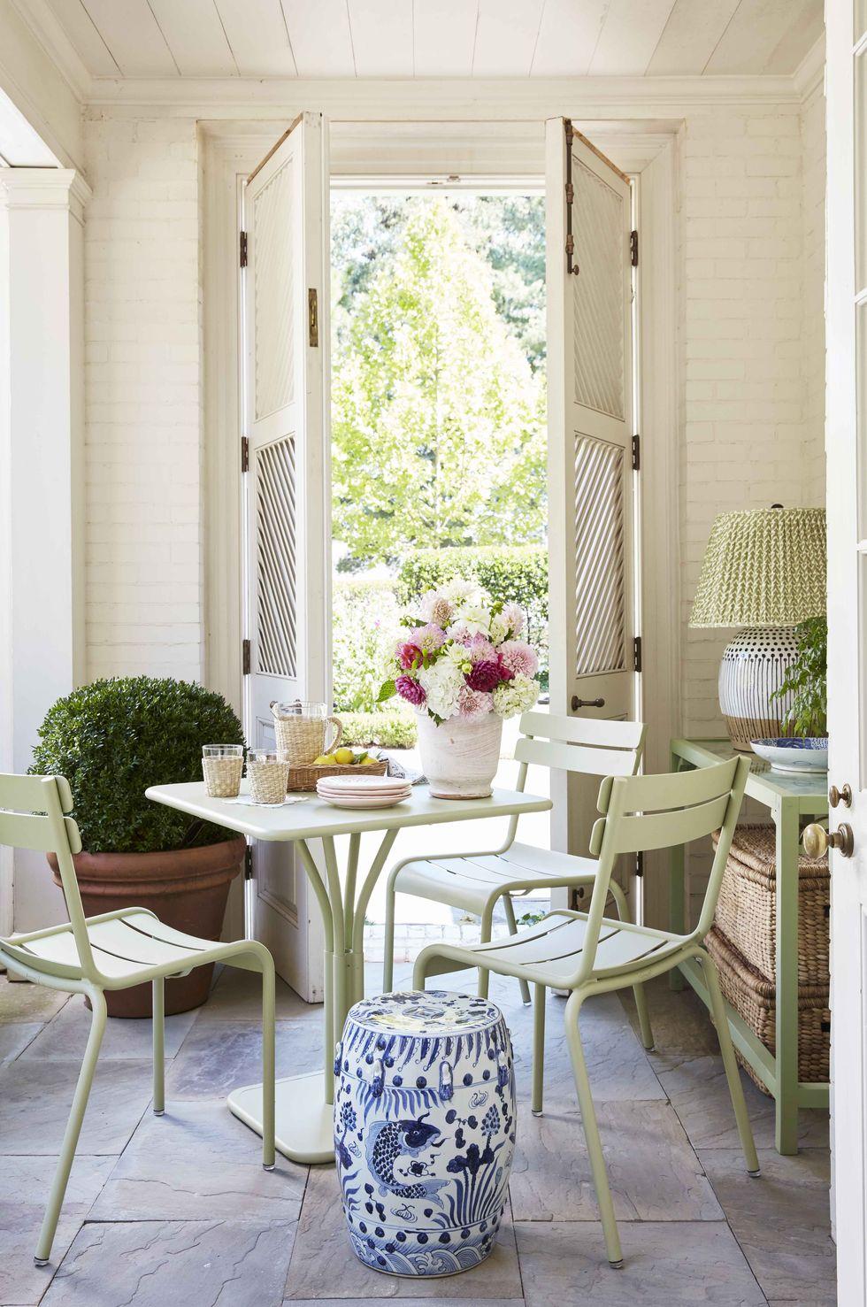 traditional-home-tour-porch