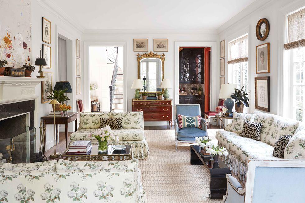 Traditional_perfection_home-tour=living-room-horizontal
