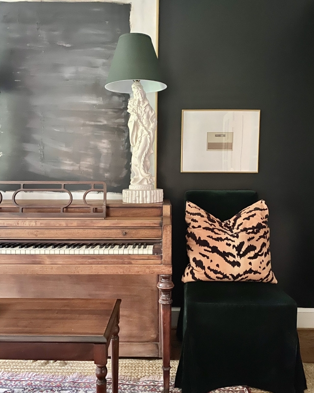 black room, walls