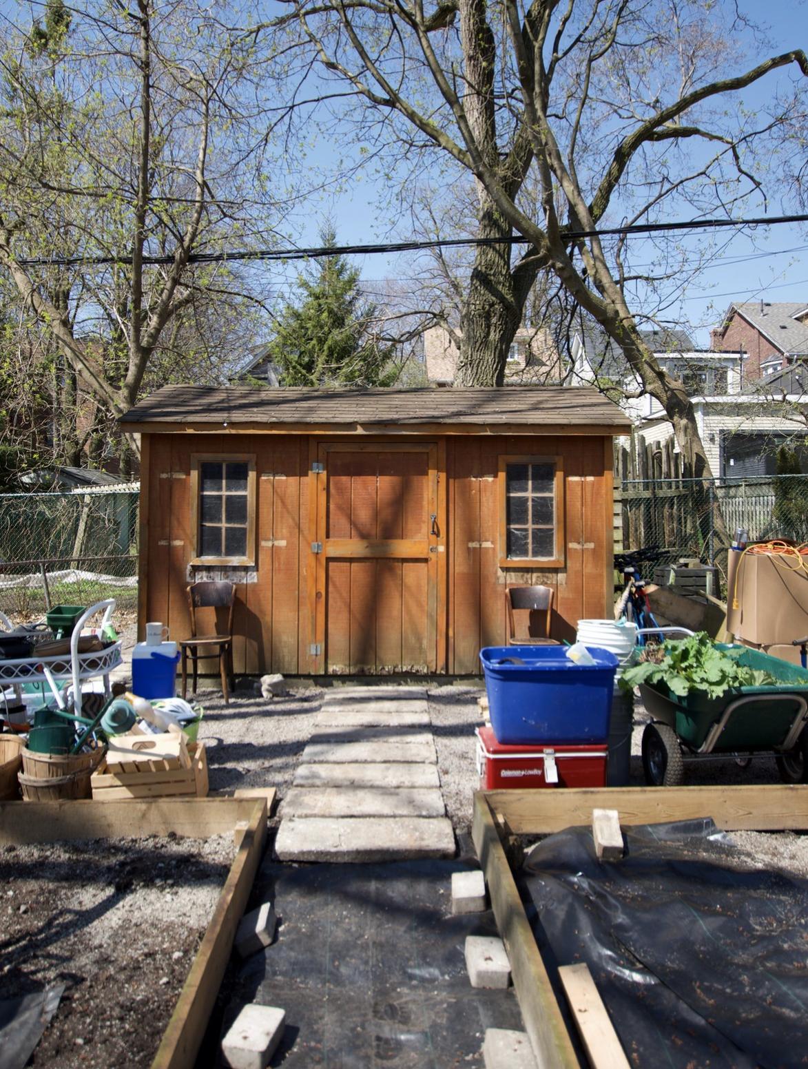 backyard-shed-before