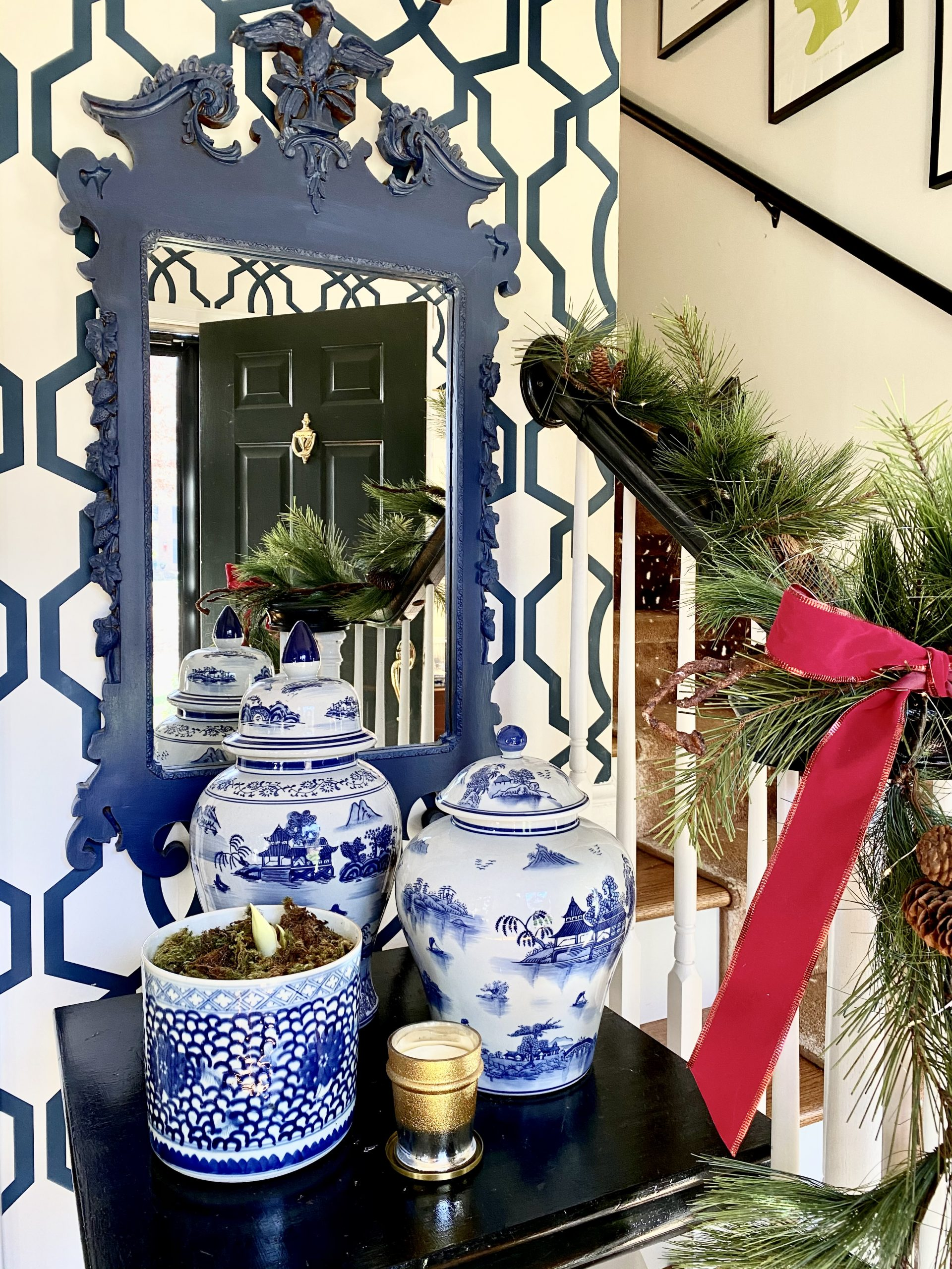 Colonial-Christmas-home-tour-vignette