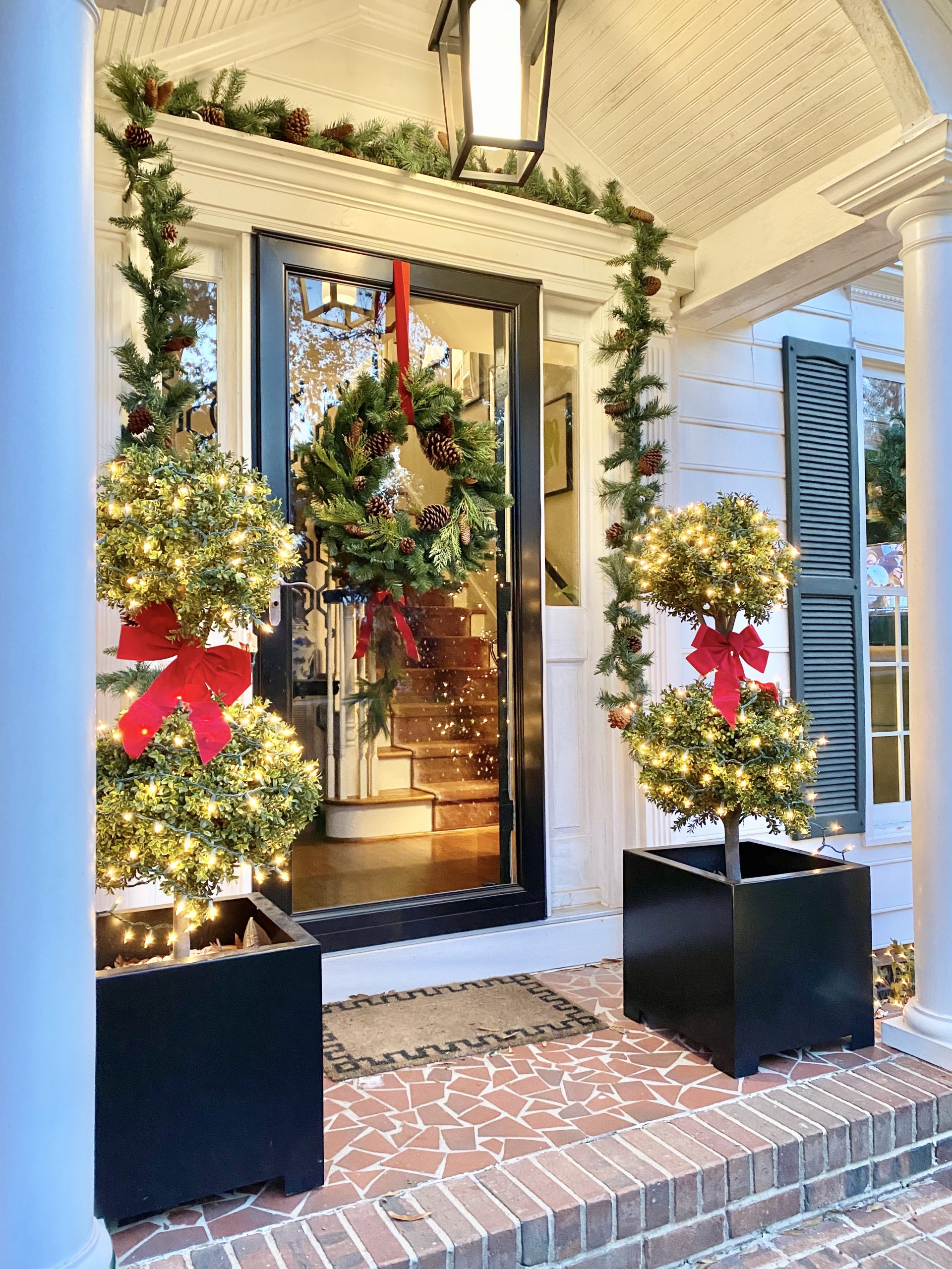 Colonial-House-Christmas-Tour-Front-Door