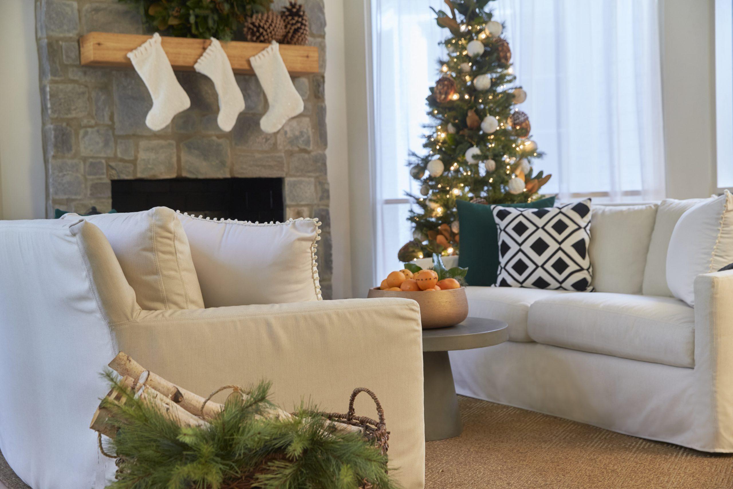 Sunbrella-fabrics-sofa-holiday-styling