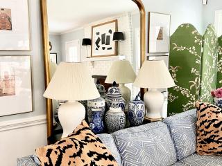 black-white-living-room-art