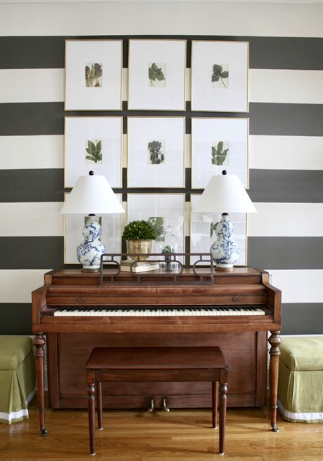 decorating-over-piano-grid