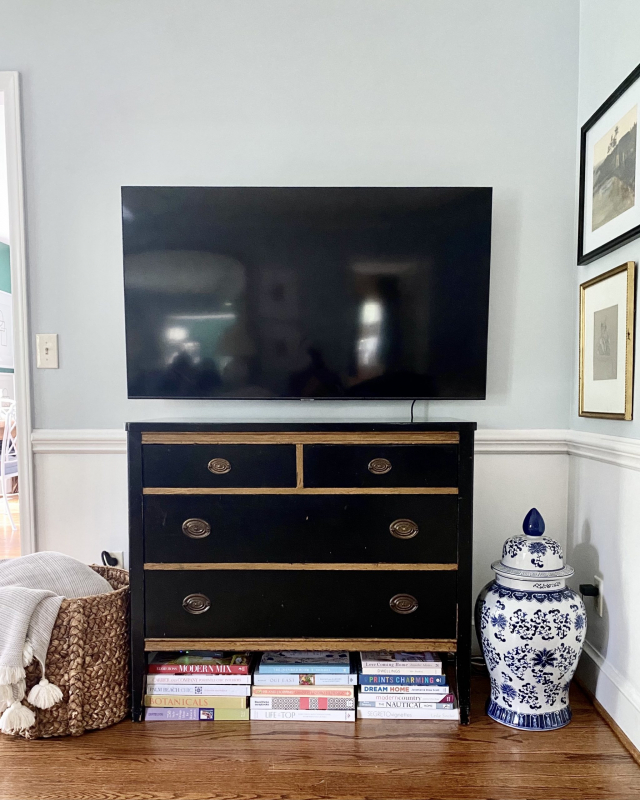 Styling-small-tv-stand